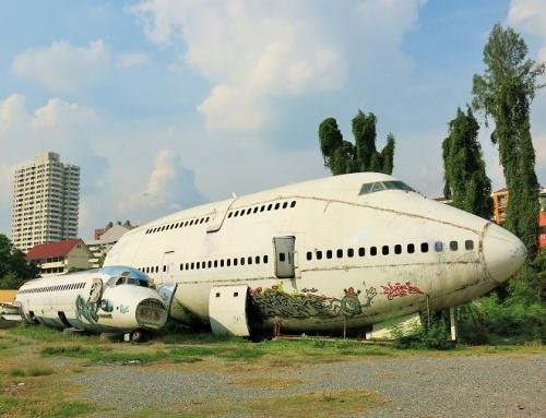 Uskomaton lentokoneiden hautausmaa (Bkk)