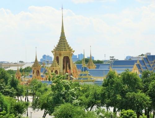 Bangkok – vuoden suruajan jälkeen massiivinen seremonia